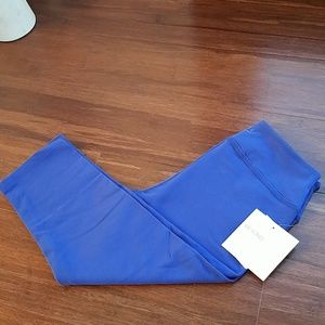 New Beyond Yoga capri pants leggings size medium
